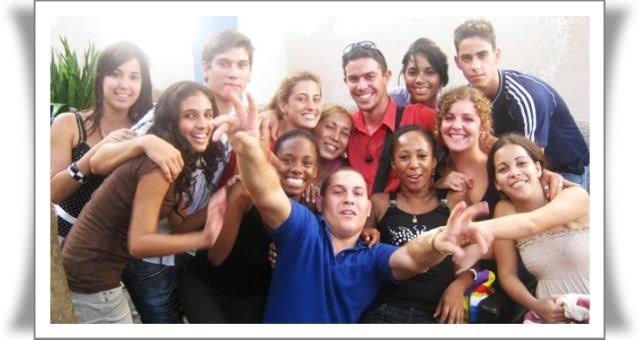 3098-jovenes-cubanos