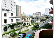 vista-calle-apartamento-adrian-vedado-habana